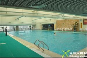 成都游泳馆:蓝色港湾恒温游泳池